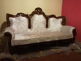 Sofa Indio antiguo labrado restaurado