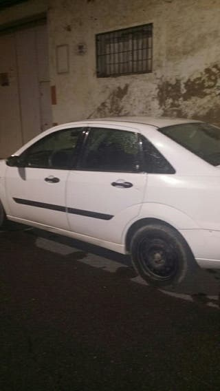 Ford Focus 2000 familiar