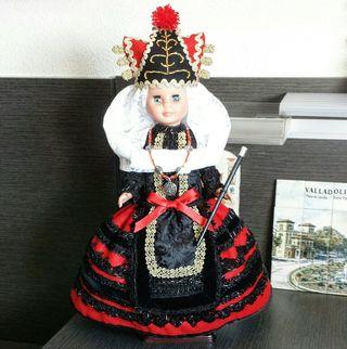 Se hacen muñecas muñecas regionales por encargo