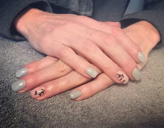 Beautiful nails with free gel toes.