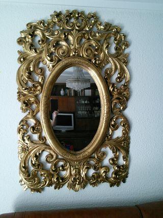 Espejo madera tallada pan de oro.