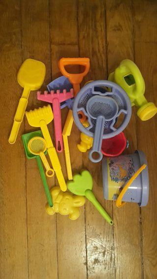 Lot jouets sable offerts