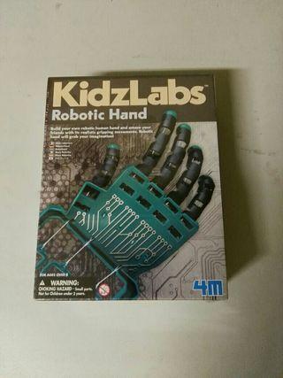 Juego robotic hand