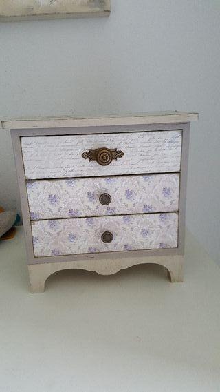 caja hecho a mano.