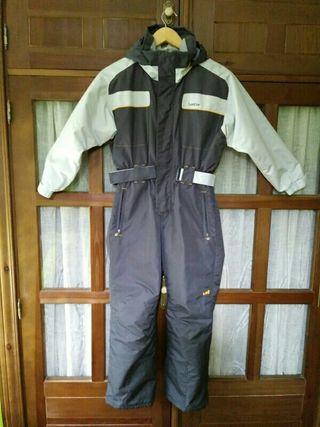 mono de esquí talla 8