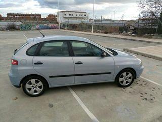 SEAT Ibiza 2004 . 1.4 16 v. Se aceptan cambios