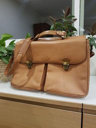 Portadocumentos de cuero. Messenger leather