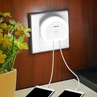Luz noche LED con sensor y cargador USB