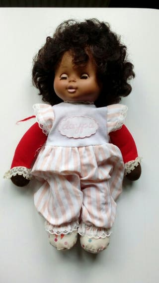 Muñeca de trapo musical mimitos de Famosa, años 70