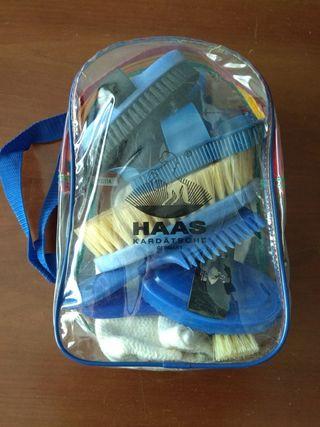 Hípica. Kit de niños para cepillado de caballos.