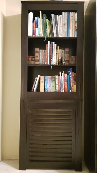 Cubreradiador-librería madera natural
