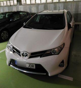 Toyota Auris Touring Sport 2015
