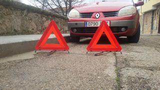 Lote triángulos reflectantes.