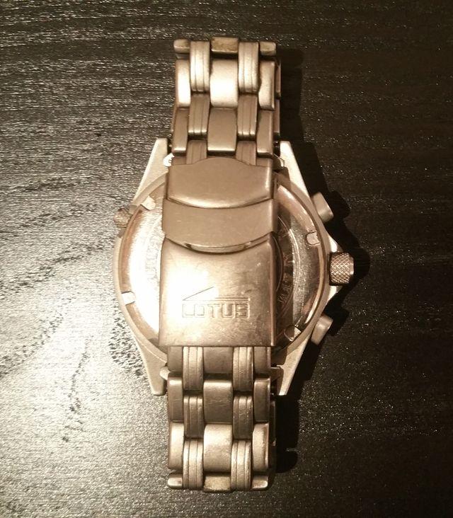 Reloj Lotus titanio