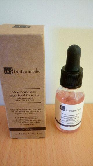 Aceite facial Dr. Botanicals, a estrenar