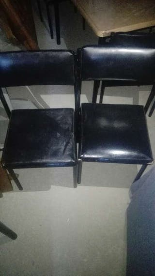 Mesas sillas taburetes