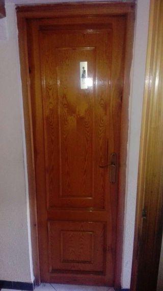 Puertas madera hierro y todo restaurante