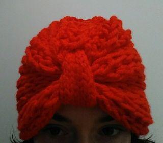 Gorro-turbante rojo