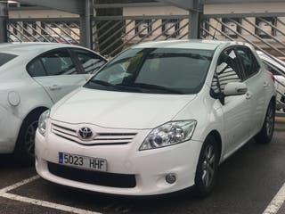 Toyota Auris 1.4 active del 2011