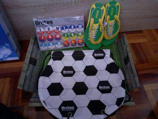 juego de fútbol con chanclas nuevas