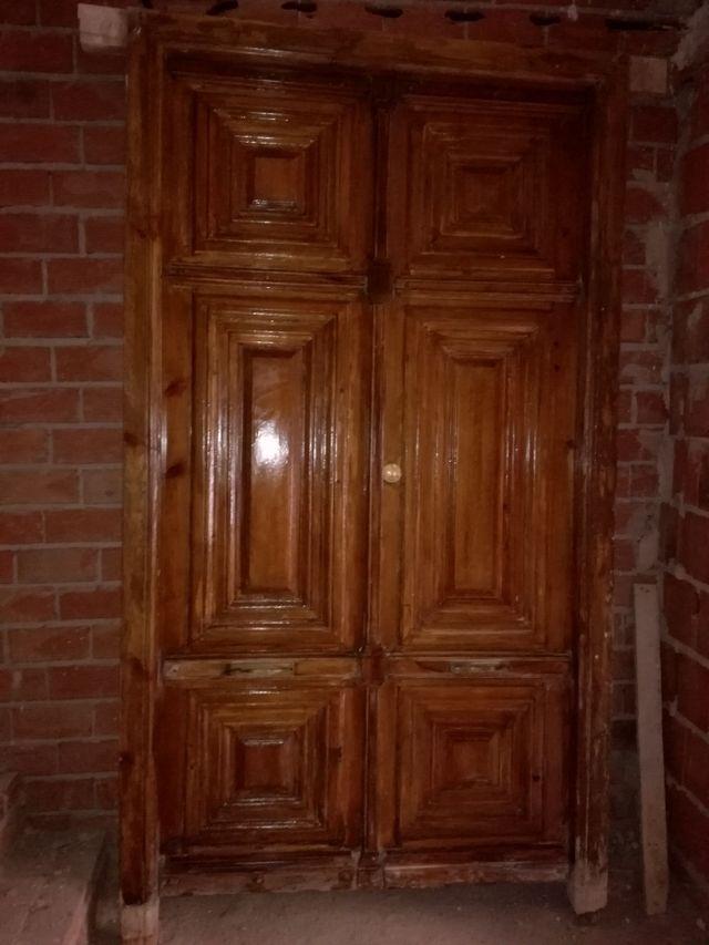 Se vende puerta de entrada de madera de segunda mano por 250 en j dar en wallapop - Puertas de entrada de segunda mano ...