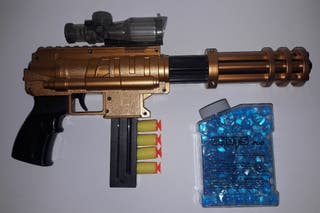 Pistola juguete de Bolas de agua y Balas ventosa.