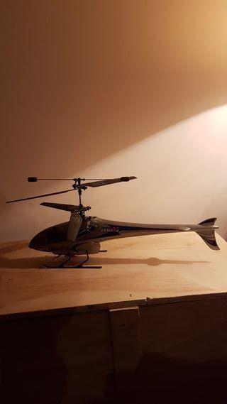 Helicóptero Lama V4
