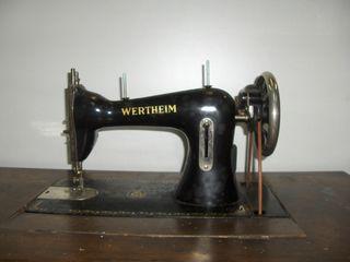 Máquina de coser antiguas de segunda mano en la provincia de Vizcaya ... be6fde6933b4