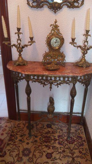 Mesa para holl de latón