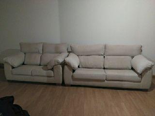 sofas, dos unidades