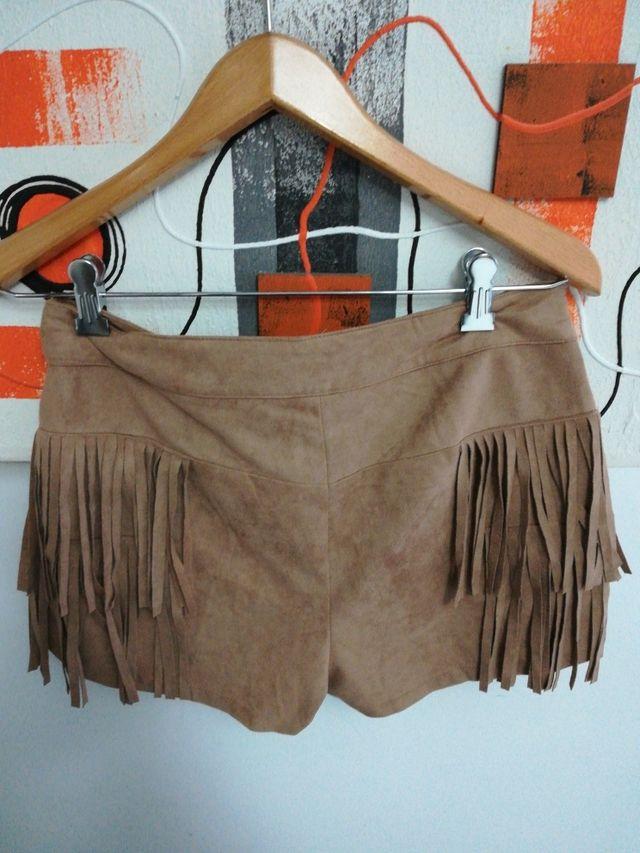 Shorts de flecos