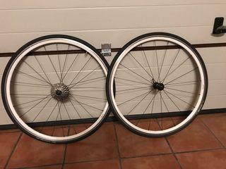 Ruedas bicicleta carreteta