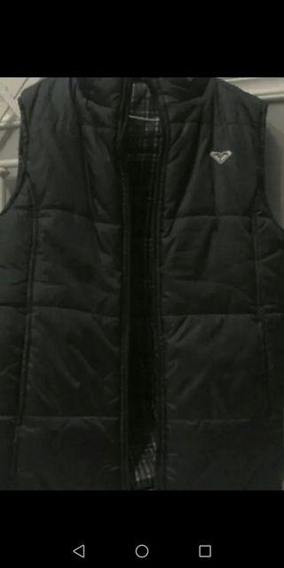 Chaleco Roxy reversible con capucha