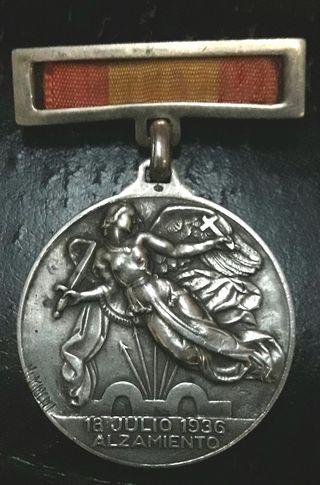 insignia plata