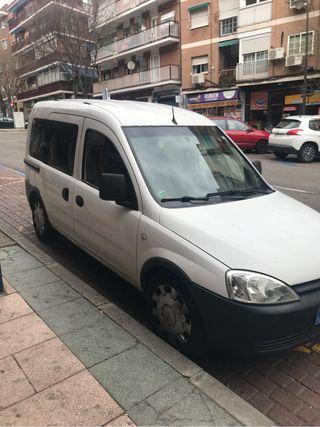 Opel Combo 2010 se vende de uso privado