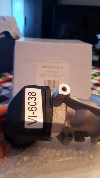 Válvula coche EGR, sin uso. en caja