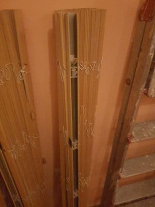 persiana de láminas de madera