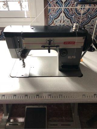 Máquina de coser Alfa profesional