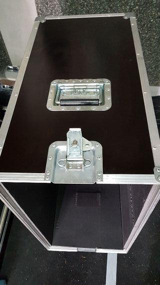 flight case pantalla marshall