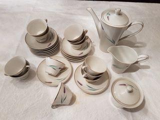 Juego de cafe de porcelana 12 tazas completo