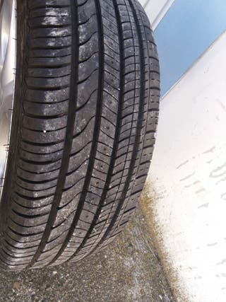 llantas con neumáticos alfa