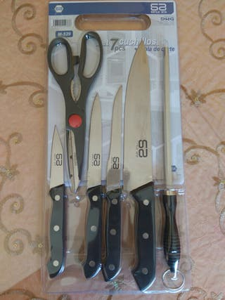 juego cuchillos y tijera con afilador.