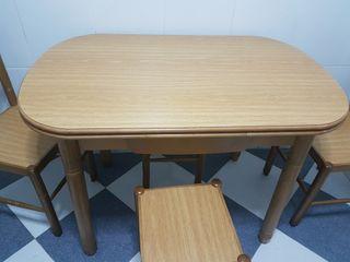 Mesa cocina y sillas
