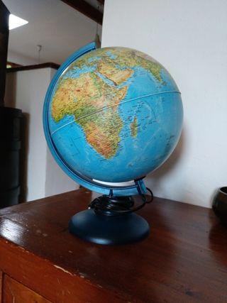Bola del mundo con luz