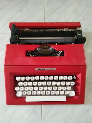 Máquina de escribir Olivetti College