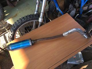 Tubo de escape pit bike