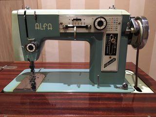 """""""""""Oportunidad"""""""". Maquina de coser antigua Alfa"""