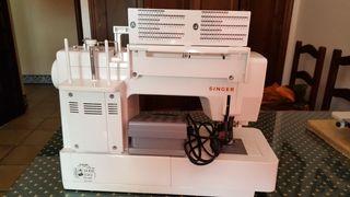 Maquina de coser Marca Singer