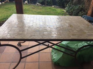 Mesa azulejos exterior
