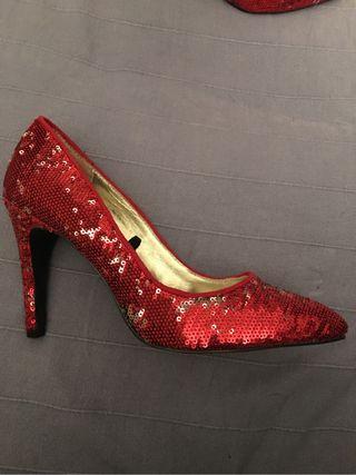 Salón rojo lentejuelas Dorothy